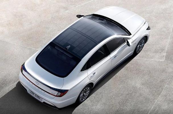 Hyundai выпустила электрокар с солнечной батареей