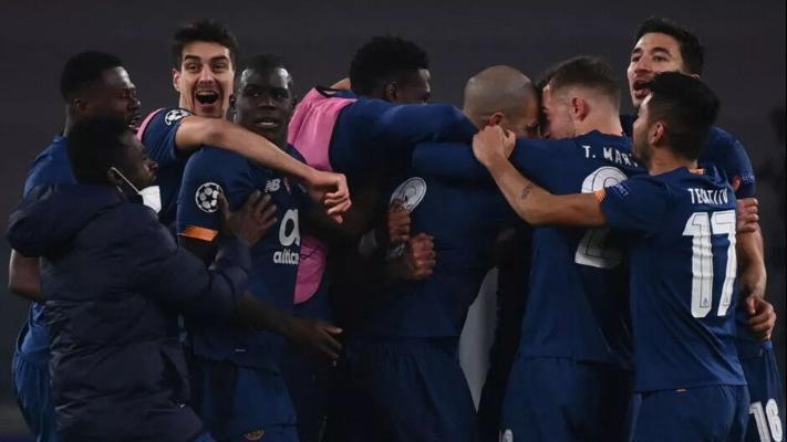 Лига чемпионов, 1/8 финала: «Порту» сенсационно выбил «Ювентус», «Боруссия» Дортмунд прошла «Севилью»