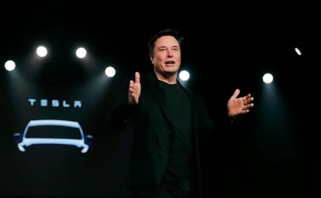 Ilon Mask Tesla-da wezipesini üýtgetdi
