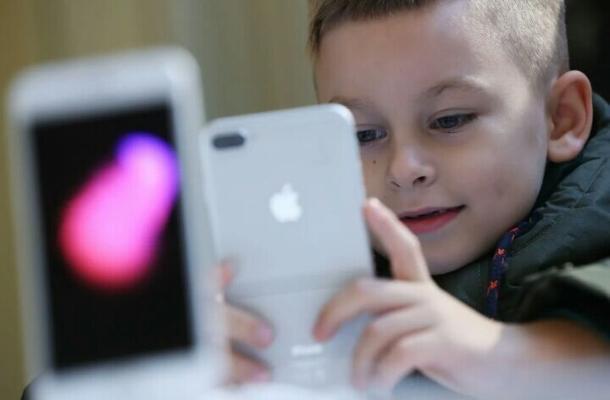 Instagram разрабатывает версию для  детей младше 13 лет