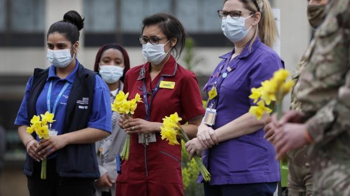 В Великобритании почтили память жертв коронавируса