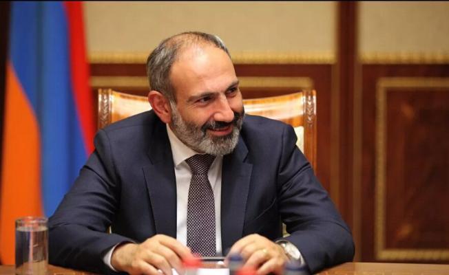 Ermenistanyň premýer-ministri wezipesinden el çeker