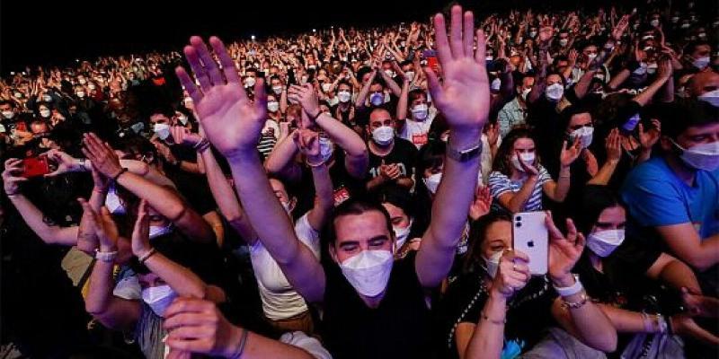Ispaniýada konsertiň kömegi bilen koronawirus «synagy» geçirildi