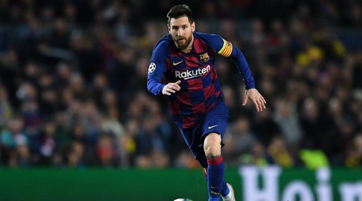 """Месси назван вторым среди лучших игроков в истории """"Барселоны"""""""