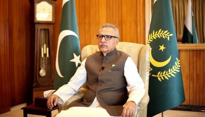 Pakistanyň Prezidenti Sinopharm sanjymyndan soň, koronawirus bilen keselledi