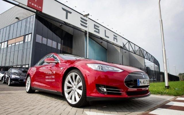 «Tesla» dünýäniň iň gymmat awtoulag kompaniýasy boldy