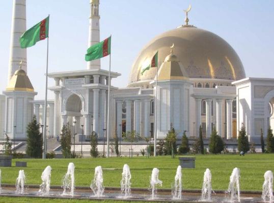 Власти Туркменистана сняли ограничения на посещение мечетей