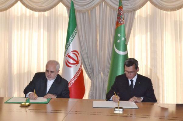 Министры иностранных дел Туркменистана и Ирана обсудили сотрудничество по ряду направлений