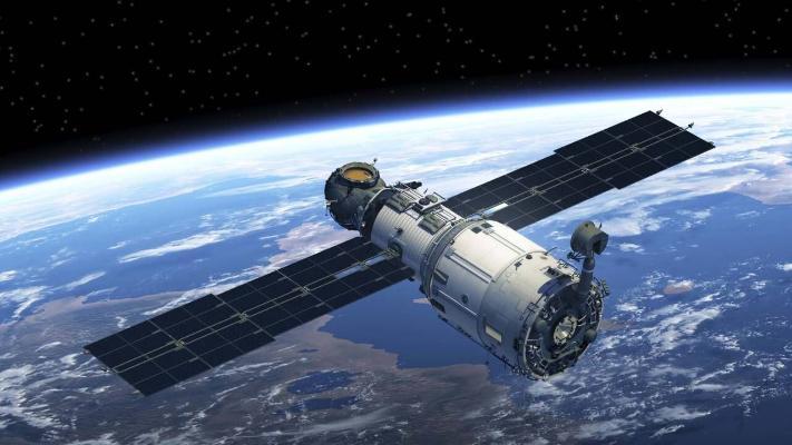 Beýik Britaniýa orbitadaky zibilleri ýygnamak üçin kosmos gämisini döredýär