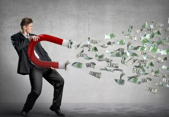 Психолог объяснил, какие привычки мешают разбогатеть