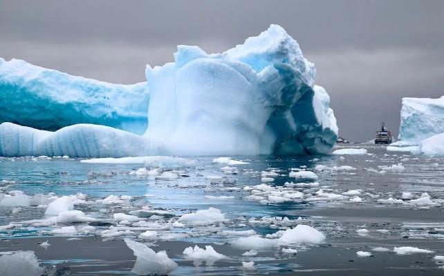 Растаял самый крупный айсберг в мире