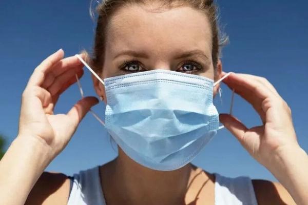 Какие маски не стоит носить в жаркую погоду