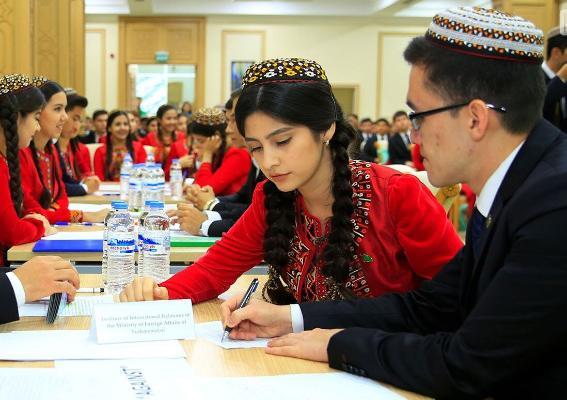 Türkmenistanda iki ýokary okuw mekdebi täze okuw ýylyndan hojalyk hasaplaşygyna geçer