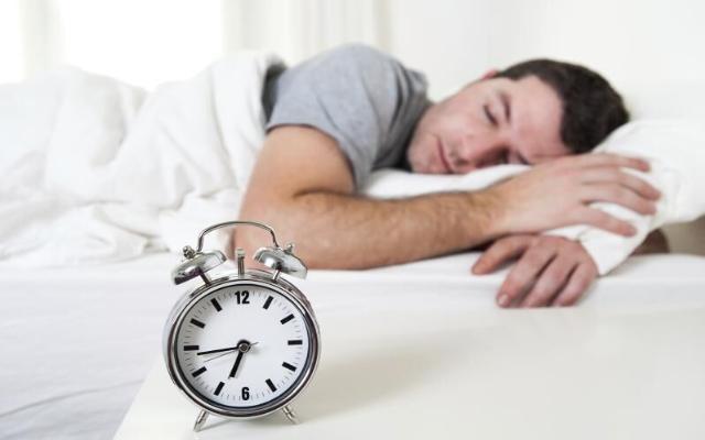 Мелодия будильника влияет на бодрость после пробуждения
