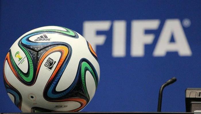 ФИФА может ввести в футболе потолок зарплат