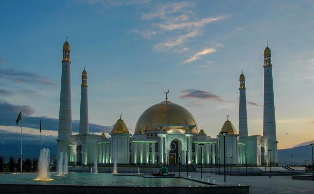 В этом году в Туркменистане праздничный намаз не будут совершаться в мечетях