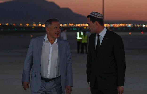 Рустам Минниханов прибыл с рабочим визитом в Ашхабад