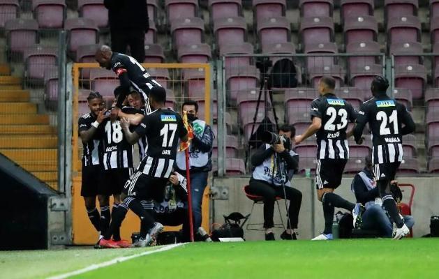 «Beşiktaş» Türkiýäniň çempionatynda deň utukda bir gol aratapawut bilen ýeňdi