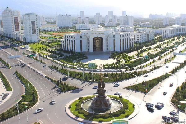 Президент Бердымухамедов проинспектировал строительство ряда столичных новостроек