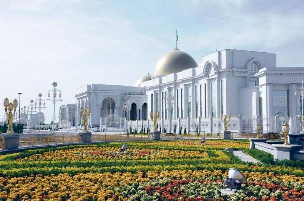 Президенту Туркменистана присвоено звание Почётного гражданина города Ашхабада