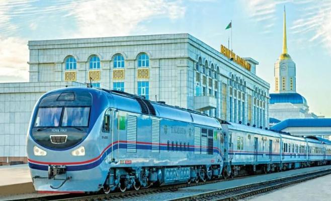 В Туркменистане с 1 июня увеличат число тестовых железнодорожных рейсов