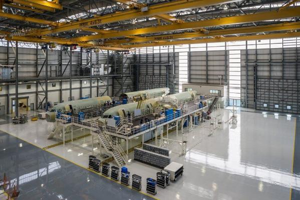 Airbus önümçiligi güýçlendirýär