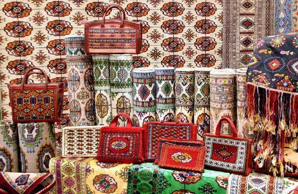 «Türkmenistanyň at gazanan halyçysy» diýen hormatly ada mynasyp bolan raýatlar
