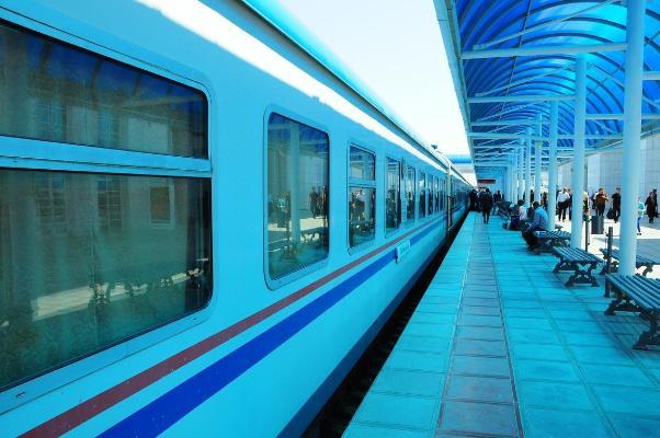 «Demirýollary» AGPJ: Türkmenistan boýunça şäherara gatnawlar doly dikeldildi