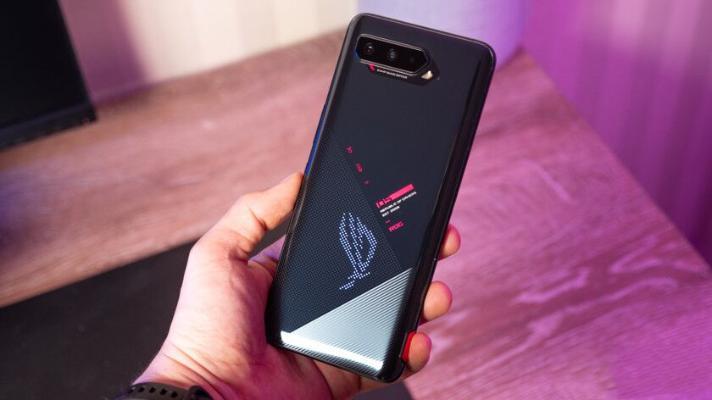 Эксперты подготовили обзор новых смартфонов с самой мощной батареей