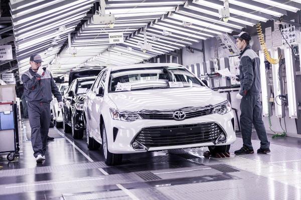 Nikkei: Toyota bilen Honda Malaýziýada awtomobil önümçiligini togtatdylar
