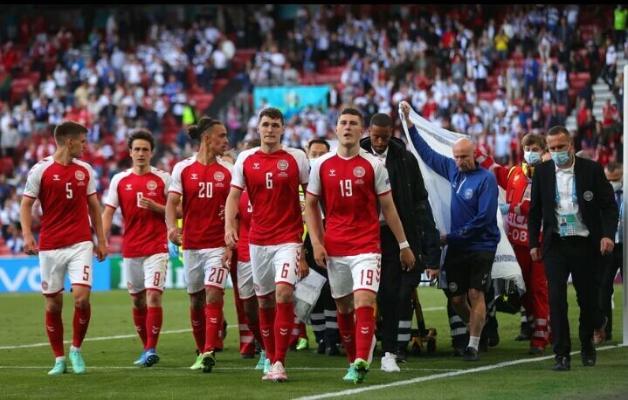 Датский футболист Эриксен потерял сознание во время матча с Финляндией, ему оказали экстренную помощь