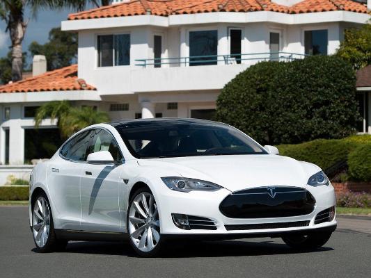 Представлен самый быстрый электромобиль Tesla