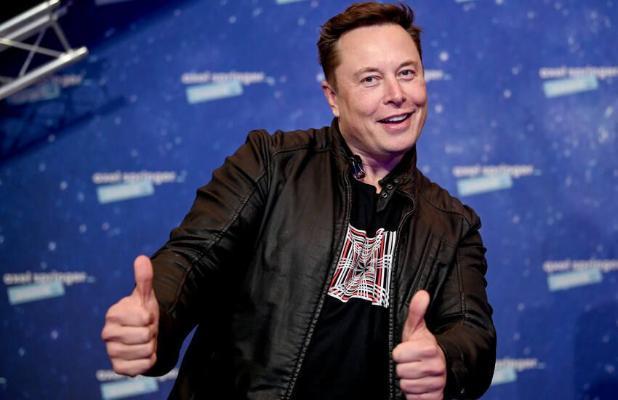 Илон Маск станет бездомным