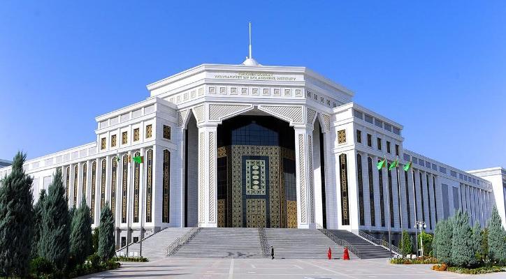 Türkmenistanda ýene-de bäş sany ýokary okuw mekdebi hojalyk hasaplaşygyna geçiriler