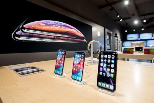LG начнет продавать в своих магазинах продукты Apple