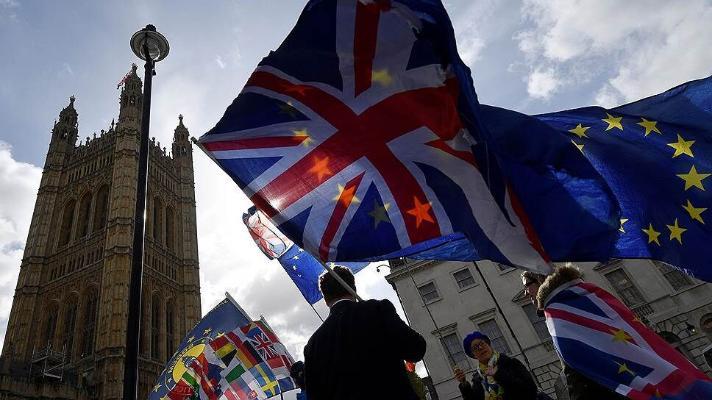 Великобритания из-за Brexit терпит торговый крах