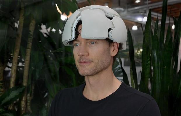 """Американский стартап создал шлем для """"чтения мыслей"""""""