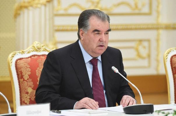 Президент Таджикистана Эмомали Рахмон поздравил туркменского лидера с 64-летием