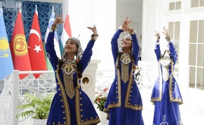 Bakuda «Türki dünýäniň älemgoşary» atly kitap tanyşdyryldy