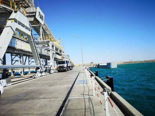 Туркменский лидер ознакомился с состоянием моста через пролив Гарабогазгол