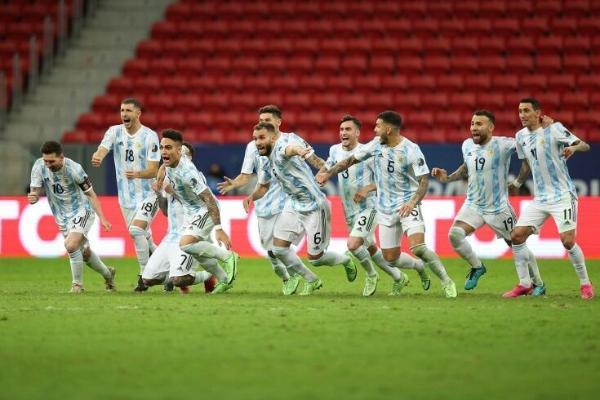 Amerikanyň Kubogy: Argentina finala çykdy. Ol Braziliýa bilen duşuşar