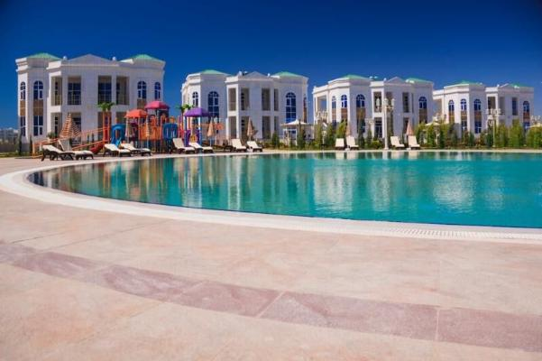 Президент Туркменистана остался недоволен ходом строительства нового коттеджного комплекса в Авазе