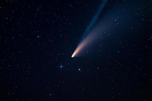 Астрономы: к Земле приблизится самая большая в истории комета