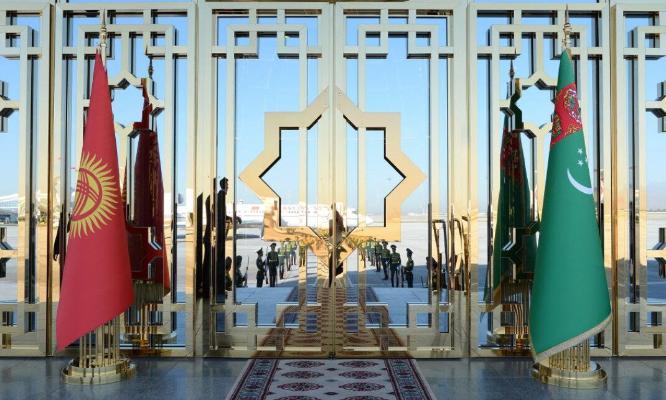 Sadyr Žaparow Türkmenistanyň Prezidentini Gyrgyzystana sapara çagyrdy