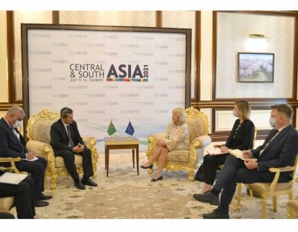 Рашид Мередов провел в Ташкенте переговоры со спецпредставителем ЕС по Центральной Азии