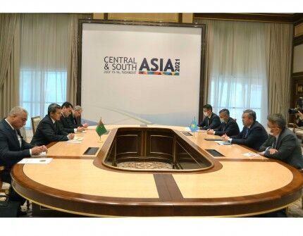 Главы МИД Туркменистана и Казахстана обсудили вопросы двусторонней повестки