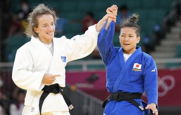 Представительница Косова Красники выиграла золотую медаль на олимпийском турнире по дзюдо