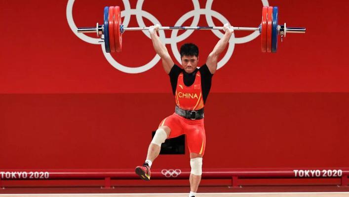 Китайский тяжелоатлет Фабин Ли стал олимпийским чемпионом