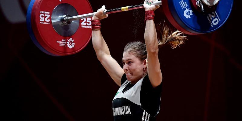 Туркменская штангистка Шерметова стала шестой на олимпийском турнире в весе до 55 кг. Золото у филиппинки Диас