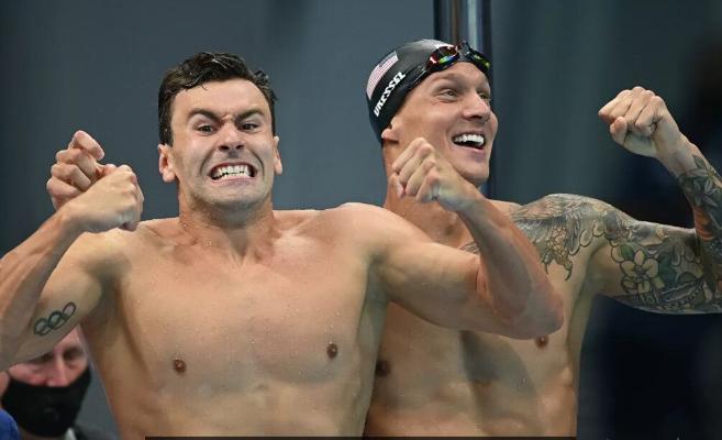 Американская сборная выиграла мужскую эстафету 4х100 м в плавании вольным стилем на Олимпиаде в Токио